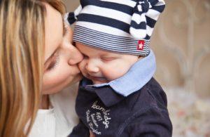 счастливая мать